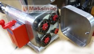 mesin-giling-daging-taiwan-murah-berkualitas-maksindo2-300x174-pusatmesin